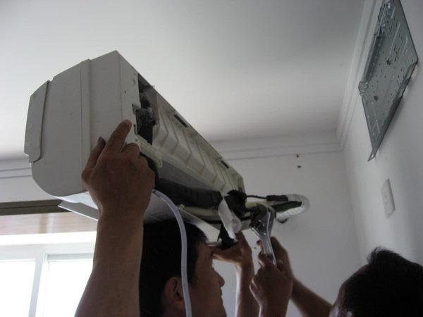 如何拆空调内机图解