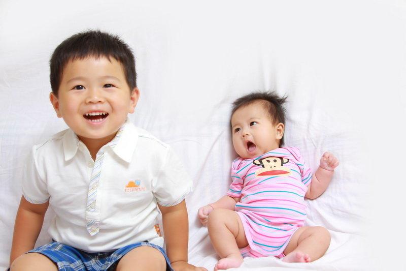 兄妹宝宝图片大全可爱