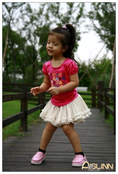 不过小姑娘就是喜欢穿裙子