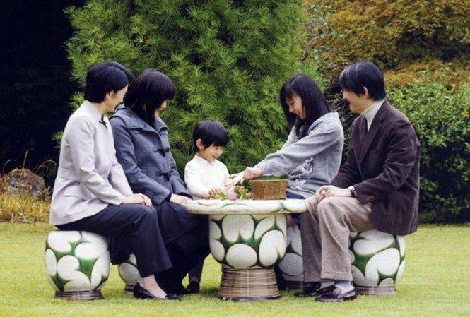 日本皇室—爱子公主9岁生日(12/1)+文仁亲王45岁生日