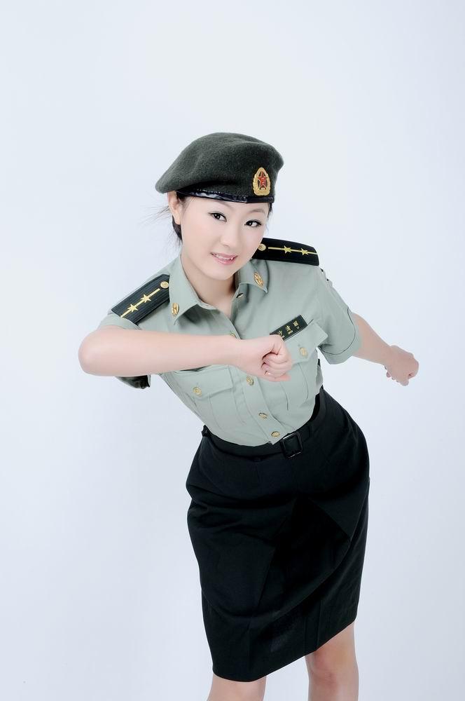 女室军装_女生军装证件照【相关词_ 女士官军装证件照】 - 随意贴