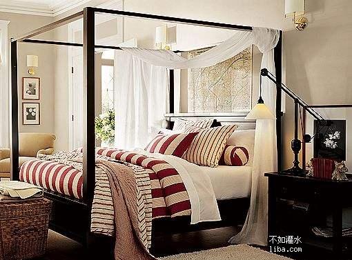 客廳米色墻面,麻繩色(灰色)的沙發(已購)