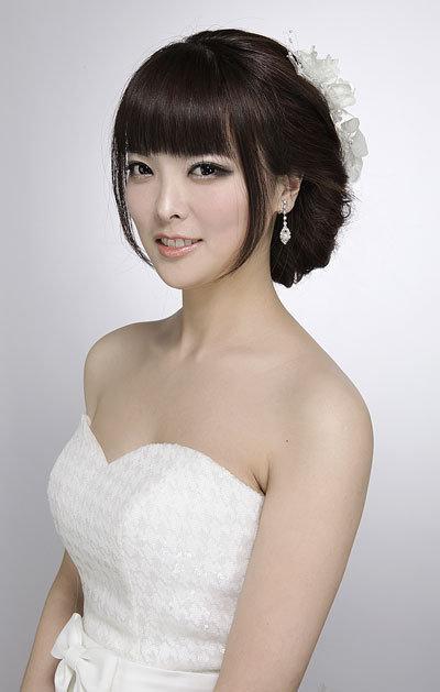 圆脸婚纱照新娘发型【相关词_ 大圆脸婚纱照】