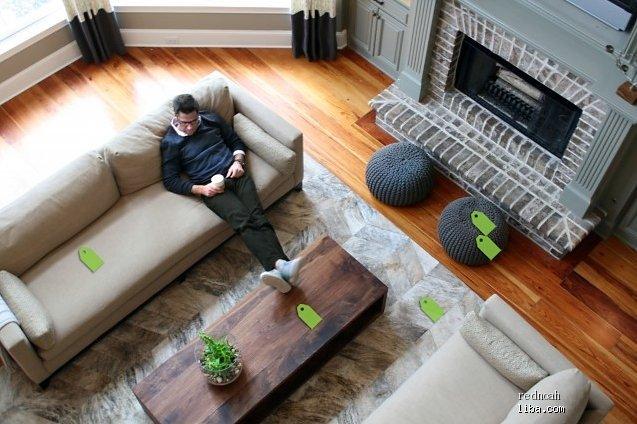 客厅壁炉+沙发的俯视图