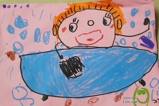 下面2幅是幼儿园的画画作品