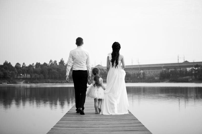 一家人的背影图片