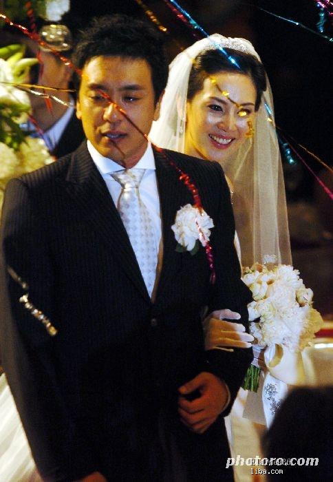 全智贤/陆续更新各大韩国明星结婚照开始更新全智贤婚礼 167k 484*700