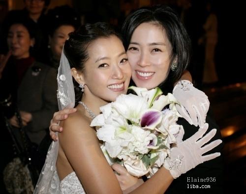 韩国明星结婚照_韩国明星夫妻结婚照大媲美《runningman》H