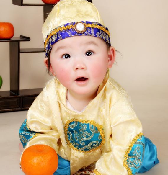 男宝宝戴帽子图片头像
