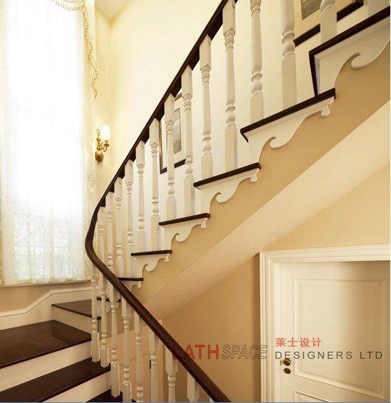 木楼梯,喜欢这种颜色的搭配