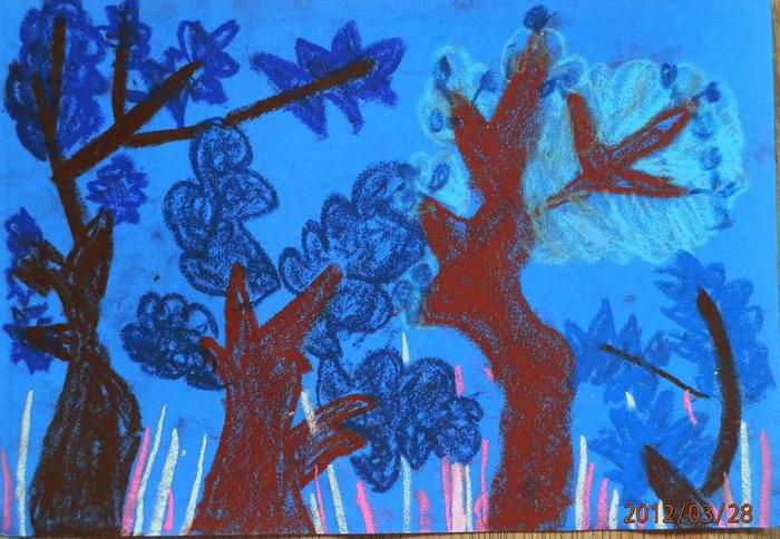 树枝分叉的画法,所以选了蓝色彩砂纸只能画蓝色的