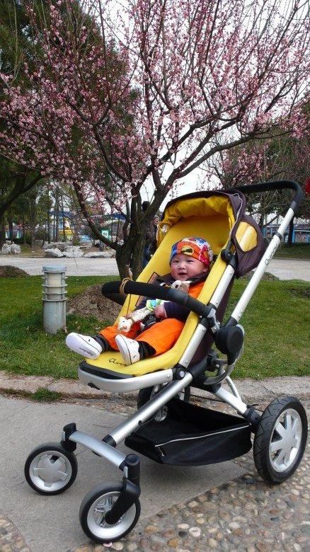 4轮婴幼儿推车