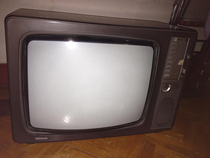 请教,老式电视机还会卖的掉吗?