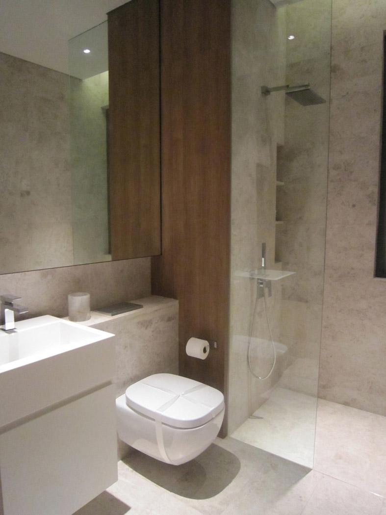 请教 现在 淋浴房 的 地面 装修都是哪种形式 老高清图片