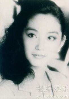 转贴:林青霞摄于80年代末90年代初的熟女生活照