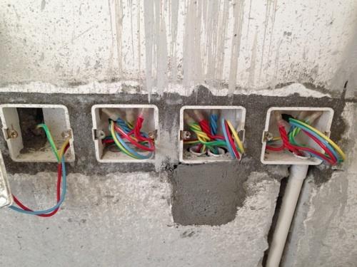 安装家庭电路暗盒
