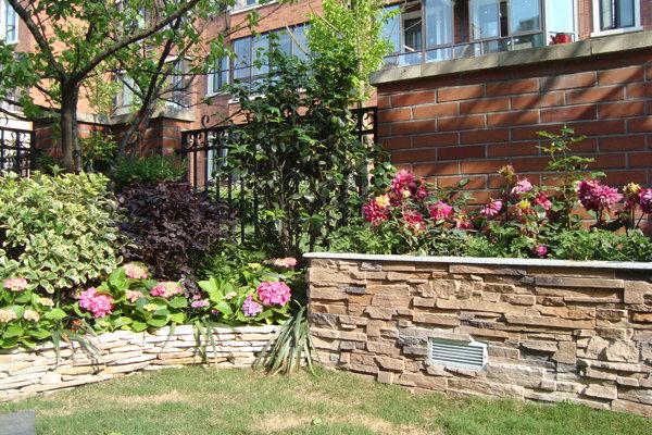 欧式私家花园实景; 一楼带私家小花园;