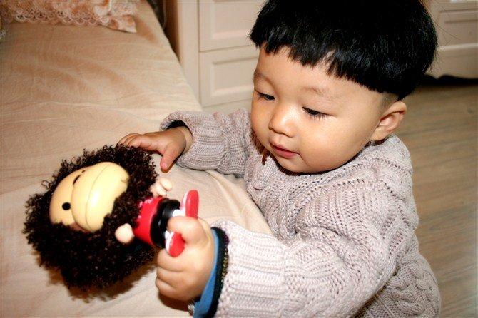 看麻麻自己给一岁大的宝宝剪的n种发型