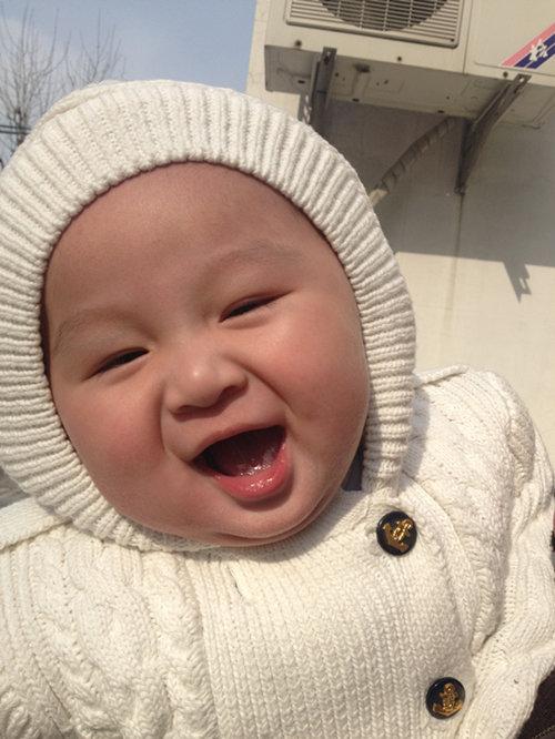 心情郁闷,谁发几个可爱胖宝宝图片给我看看!