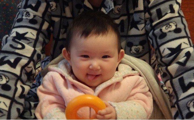 表情丰富的宝宝真可爱