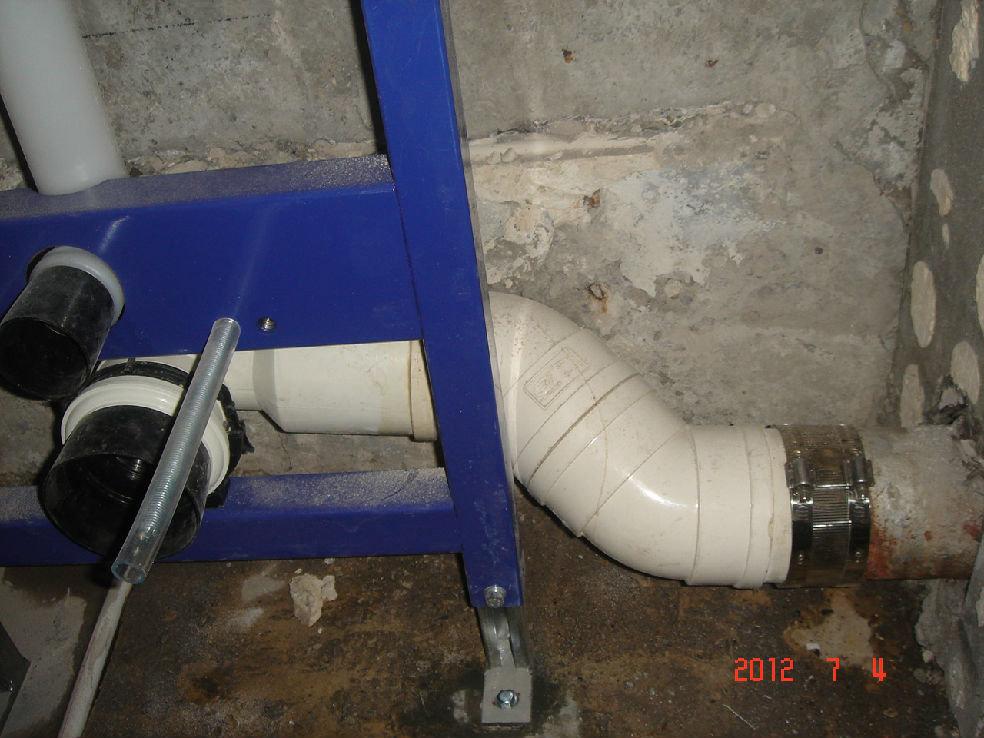 一楼马桶移位_马桶移位,设计师推荐吉博力的同层排水- 新问题,二手房的铁锈管可以用