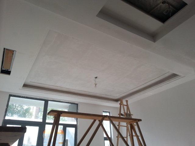 吊顶里面藏着厚实的细木工板