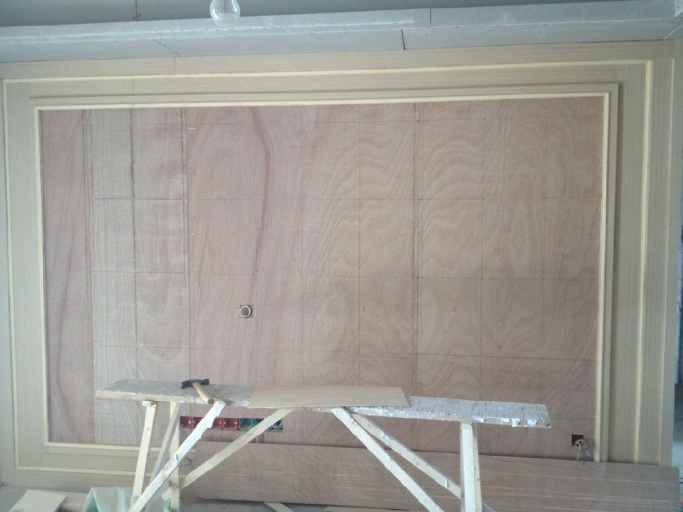 电视背景墙.木工还未完工