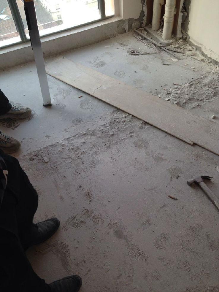 铺地板打地龙骨