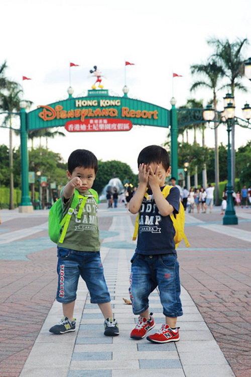 迪士尼大门口.jpg