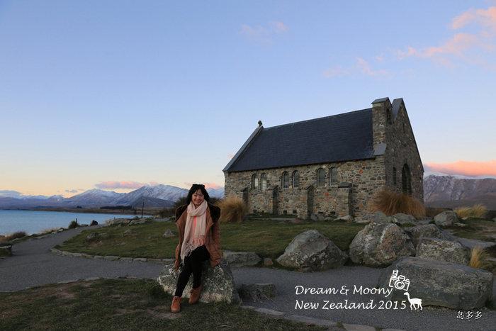 美女在好牧羊人教堂.jpg
