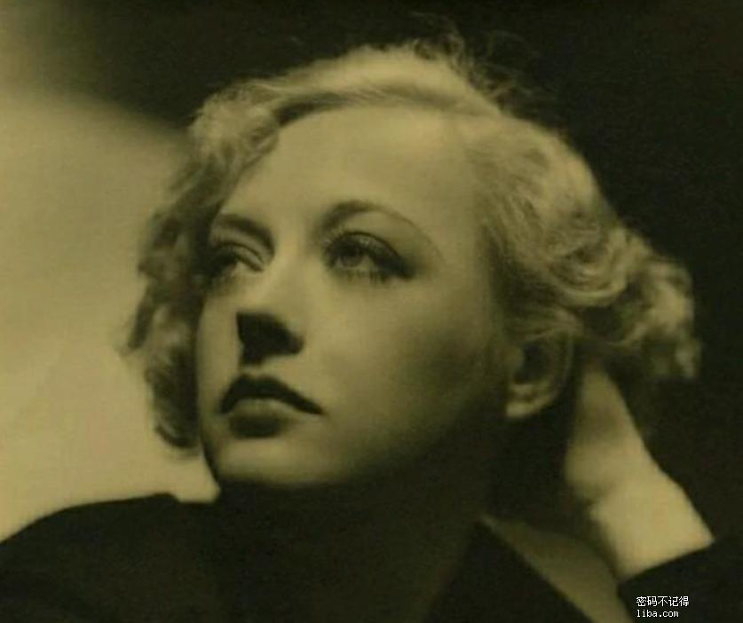 【好莱坞旧影】20世纪二三十年代玛丽安戴维斯50张迷人的照片.png